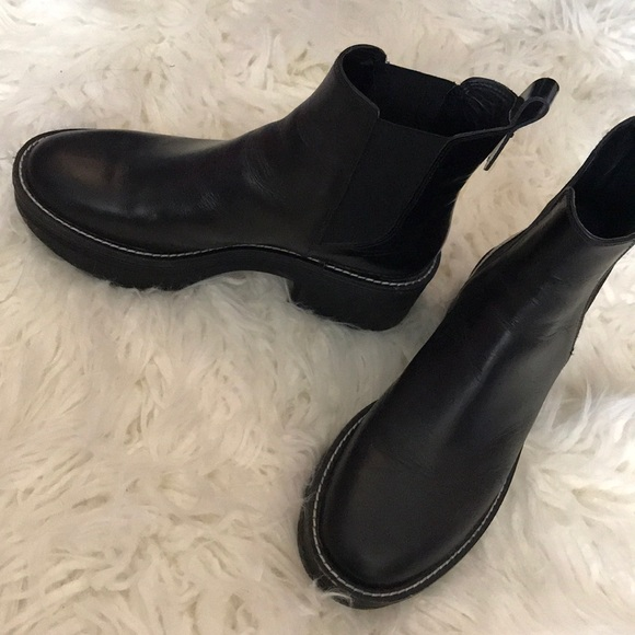 FLAT LEATHER ANKLE BOOTS WITH TRACK SOLE